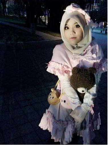 Salah satu cosplayer hijab asal Malaysia
