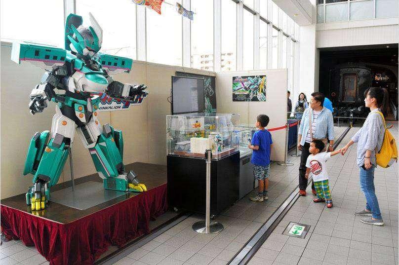Museum Kereta Api Jepang Luncurkan Robot Shinkansen
