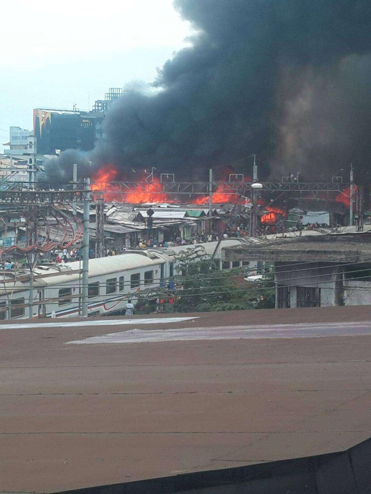 Foto kebakaran hebat yang melanda Kampung Bandan.