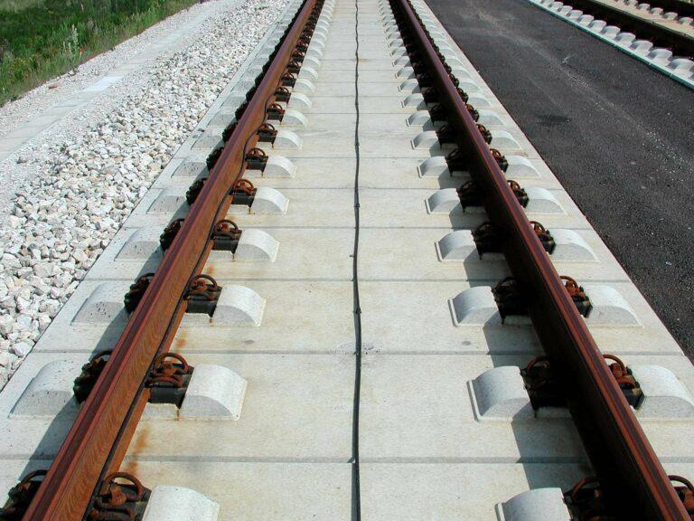 Slab Track   Sumber: Wikipedia