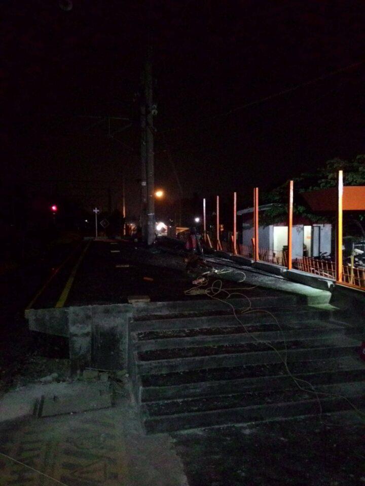 Peron baru di sisi Utara stasiun Citayam yang sudah rampung, untuk mengakomodasi perjalanan KRL formasi 12 kereta