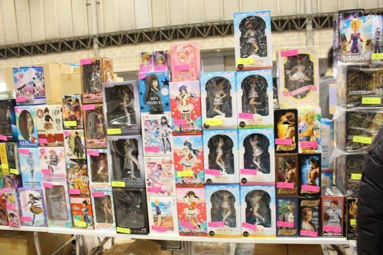 Bagaikan pameran mainan di Jakarta, ada juga bazaar dan sale bagi kamu yang ingin menambah koleksi.