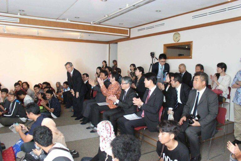 Jajaran pemerintahan eksekutif dan legislatif prefektur Fukuoka yang turut hadir.