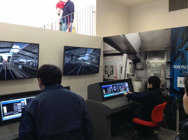 Simulator KRL seri 5000 milik Tokyu