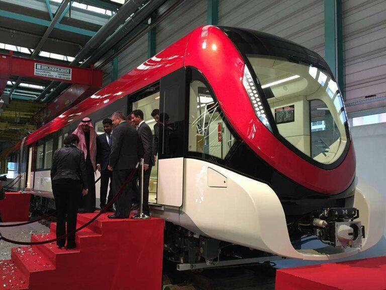 tn_sa-riyadh-metro-siemens-inspiro-unveiling-people2
