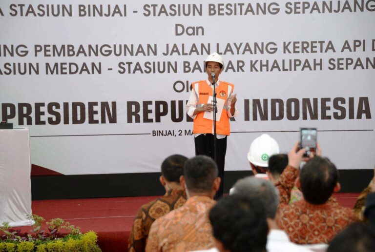 Presiden RI Joko Widodo memberikan sambutan pada acara groundbreaking | Foto: Kemenhub151