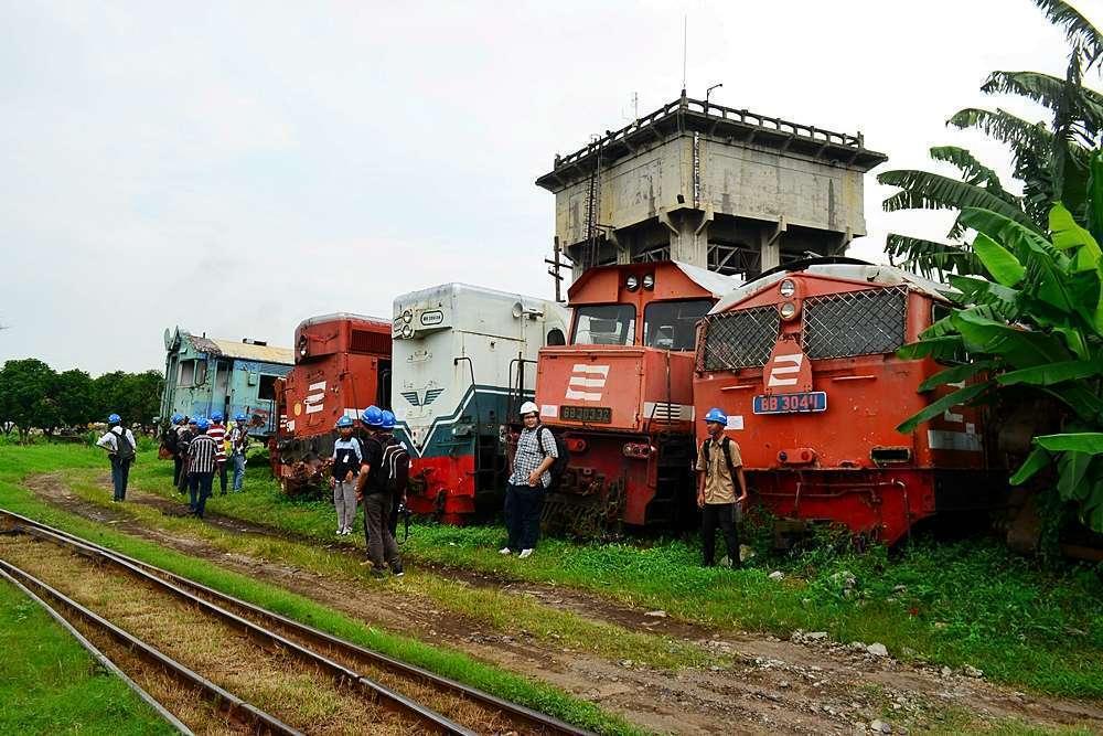 Lokomotif DH afkir di Balai Yasa Yogyakarta