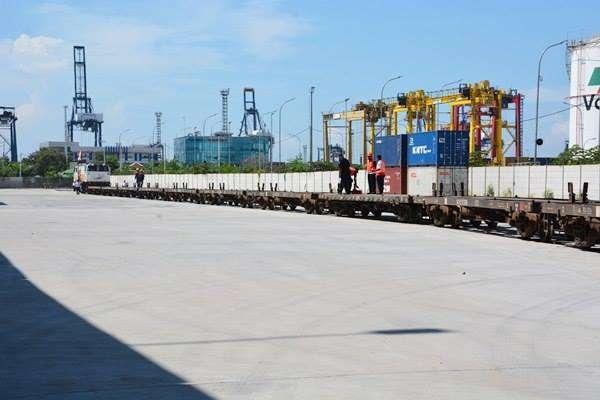 Rangkaian GD sebelum diisi oleh muatan barang petikemas | Foto: Kereta Api Kita