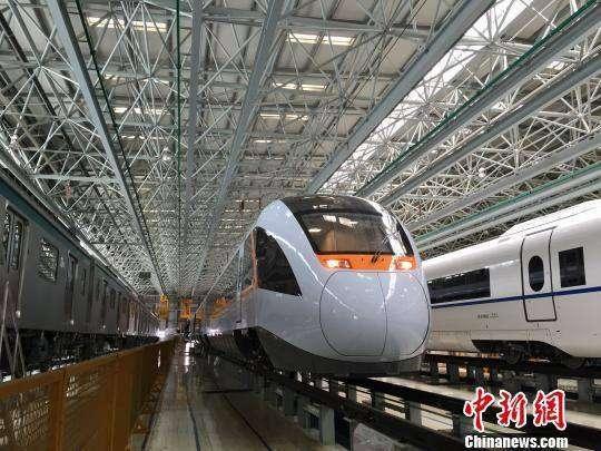 Kereta Hybrid pertama milik Tiongkok | Foto: China News