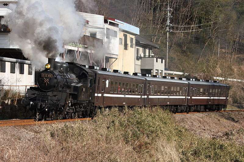 Lokomotif uap C12 66 yang dioperasikan Moka Railway (Wikipedia)