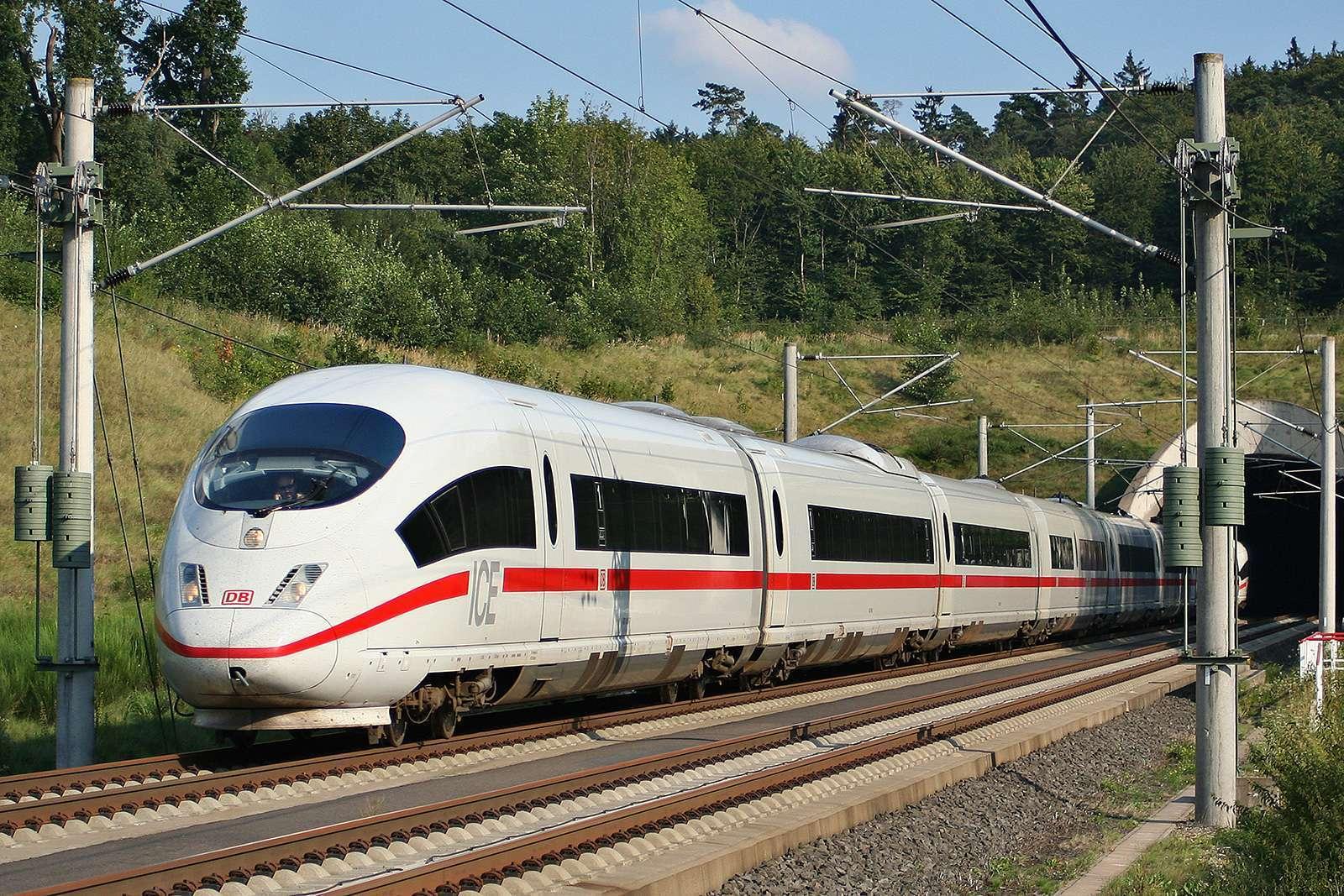 Kereta ICE 3 milik DB | Sumber: commons.wikimedia.org