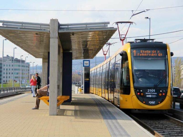 tn_hu-budapest_caf_long_tram_in_service_4_B_Zelki