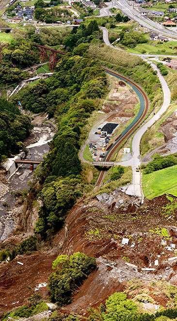Longsor akibat gempa yang terjadi di dekat Tateno Station | Foto: Haruki Morishita
