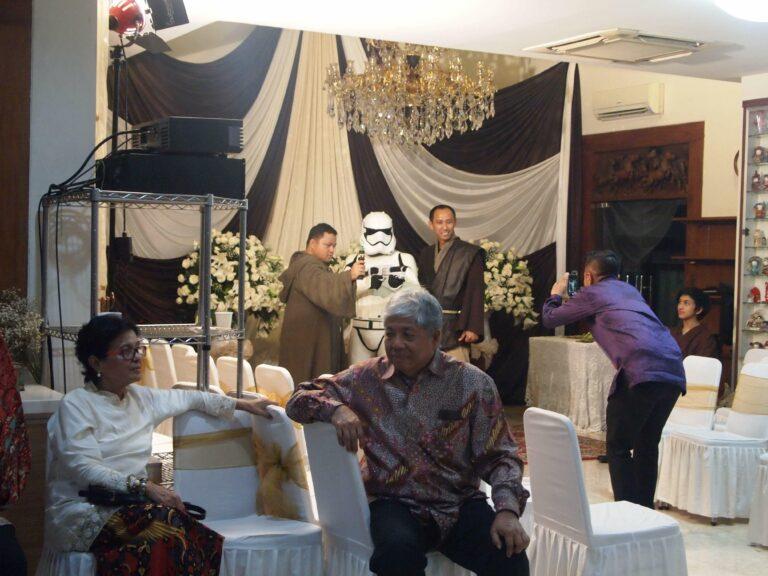 Storm Troopers hadir di pelaminan.