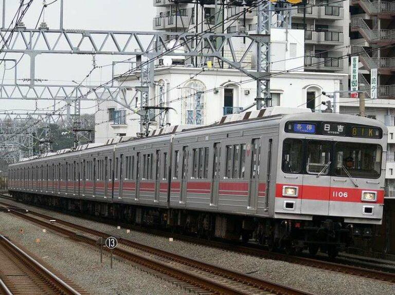 KRL Seri 1000 milik Tokyu yang pernah beroperasi di jalur Toyoko dengan formasi 8 kereta | Foto: Chabata_K via commons.wikimedia.org