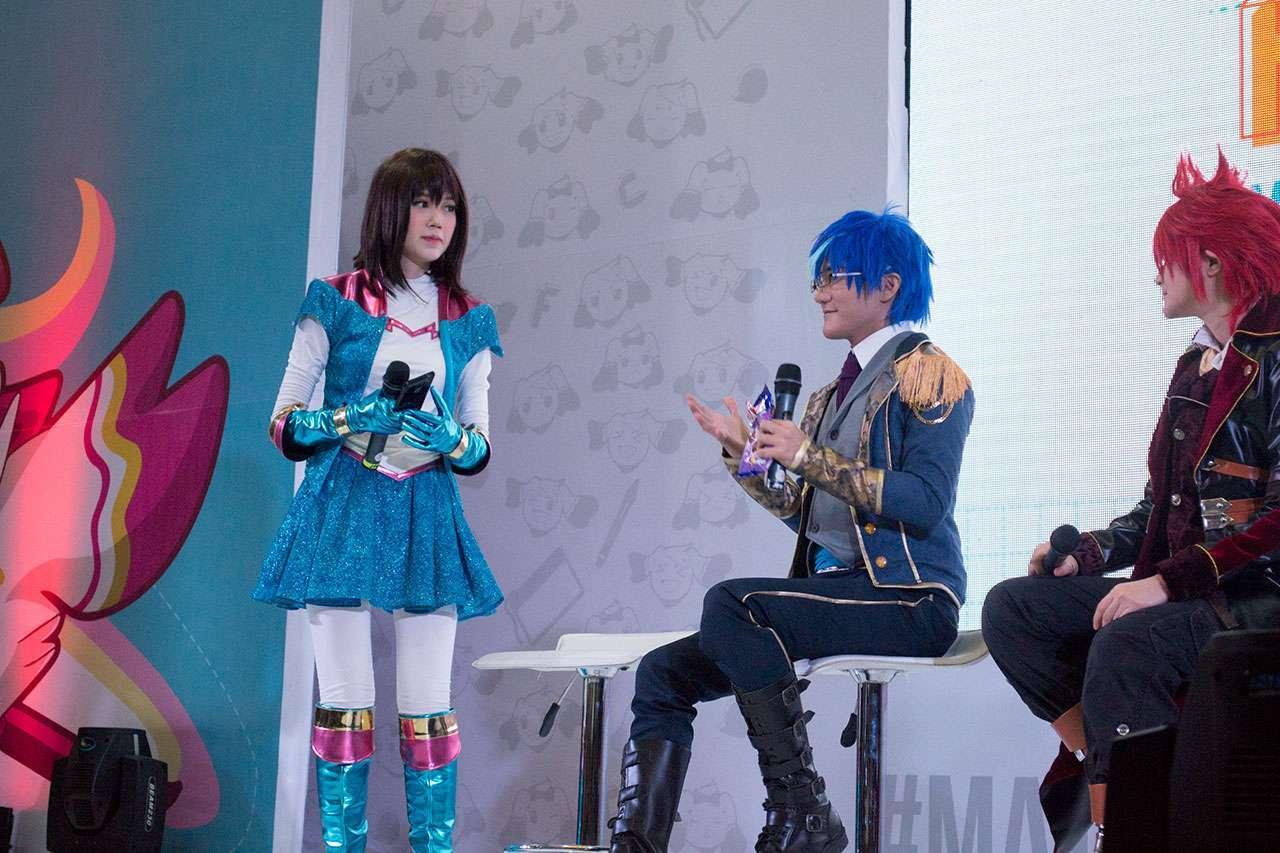 Liui menjawab pertanyaan dari penonton.