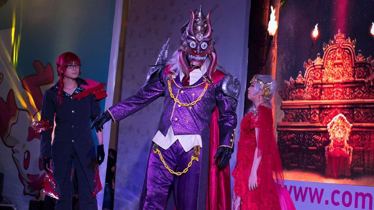 Vibishan (Orochi X), Rahvan, dan Mandodari yang hendak menculik Shinta.