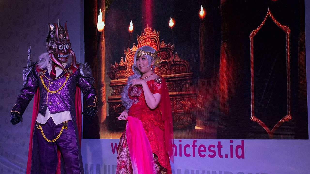Rahvan (Erlan Arisandi) dan Mandodari (Pinky Lu Xun) membuka jalannya kabaret.
