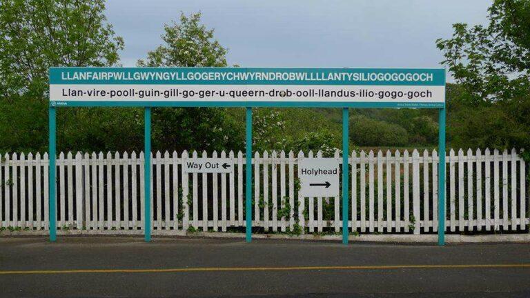 'Nama lengkap' Stasiun KA tersebut beserta cara pengucapannya | Sumber: Heritage Railway Magazine (Facebook)