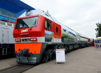Lokomotif GT1h-002 yang berbahan bakar gas | Foto: YuriZhuck (flickr.com)