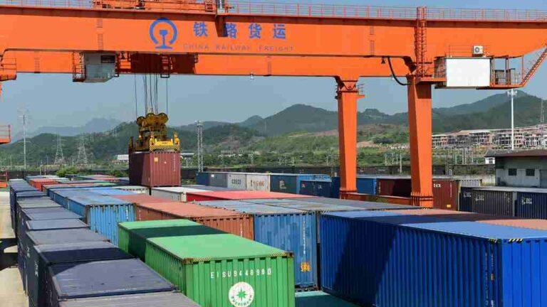 Terminal Peti Kemas milik Tiongkok