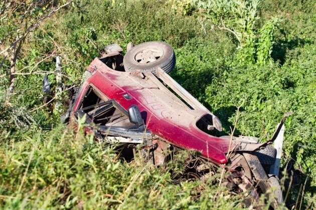 Mobil naas yang tertabrak KA   Foto: Terry Harris
