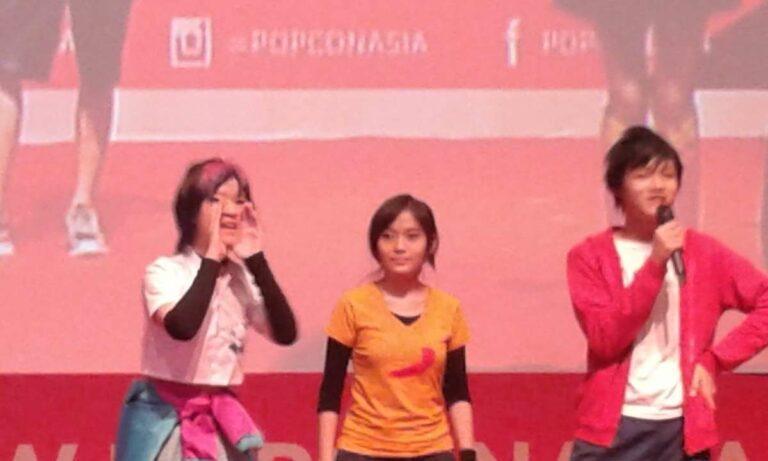 Inilah para cosplayer karakter komik Spectra Project (dari kiri ke kanan): Aura, Azra, dan Rio.