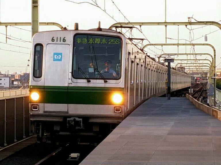 Rangkaian 6116F saat menghabiskan masa-masa operasinya di jalur Chiyoda
