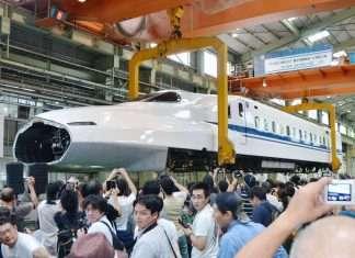 """Flying Shinkansen"" atau metode pengangkatan shinkansen untuk keperluan perawatan | Sumber: KYODO"