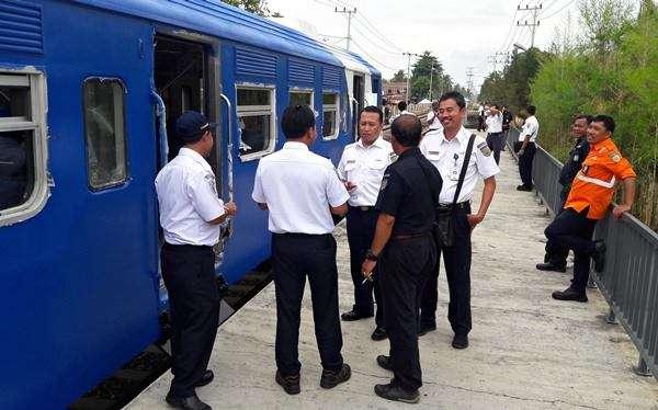 VP Divre 1 SU, Mateta Rijalulhaq berdialog dengan rombongan | Sumber: Kereta Api Kita