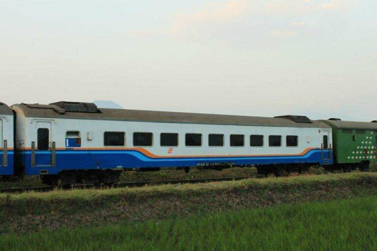 Ilustrasi Kereta yang akan dikirim ke Myanmar | Foto: Andreva Rahmawan H