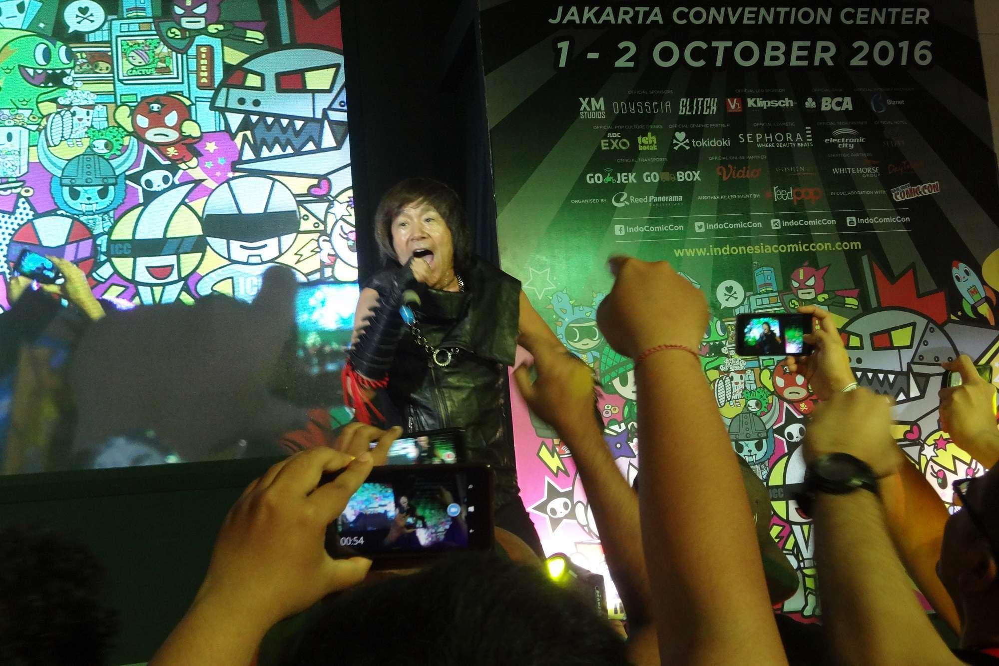 Penampilan enerjik Akira Kushida disambut dengan semangat oleh penggemar