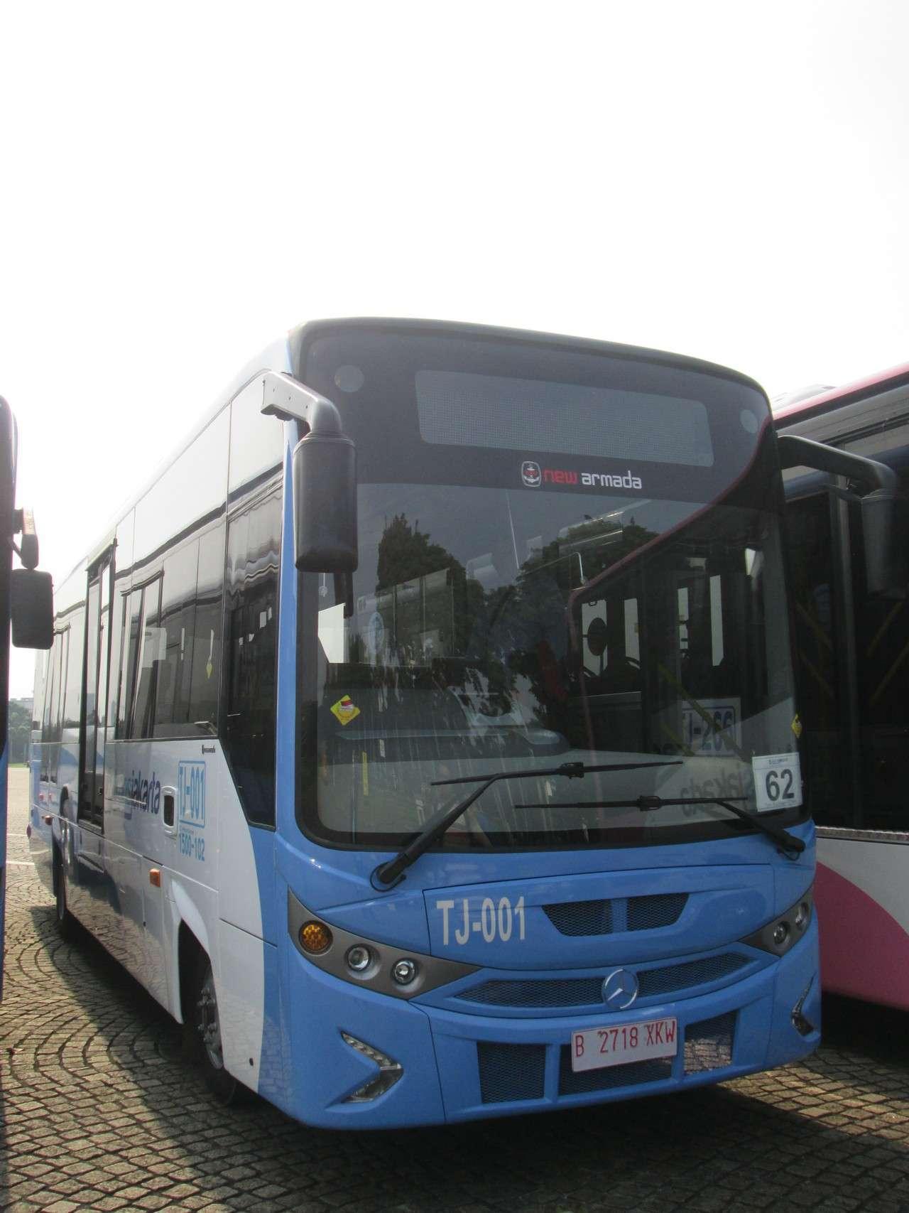 Bus maxi Mercedes Benz OF917
