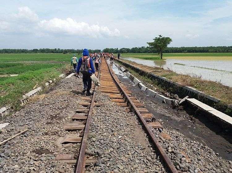 Jalur KA Menuju Wonogiri Terkikis Banjir
