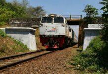 KAI Siapkan Kereta Tambahan Untuk Natal Dan Tahun Baru 2017