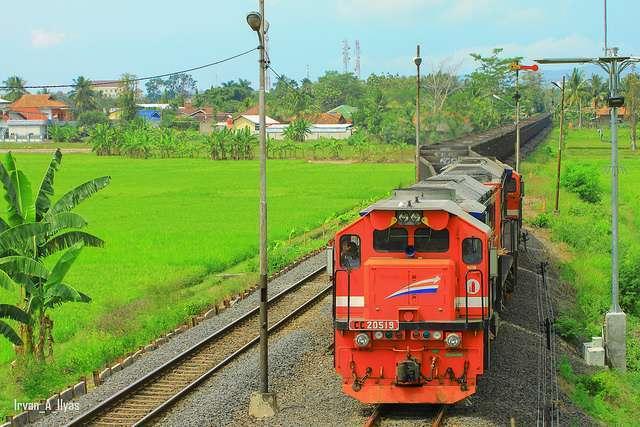 EMD GT38ACe milik Indonesia yang dioperasikan di Sumatera. | Foto: Irvan Alaidrus