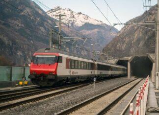 Terowongan KA Terpanjang Di Dunia