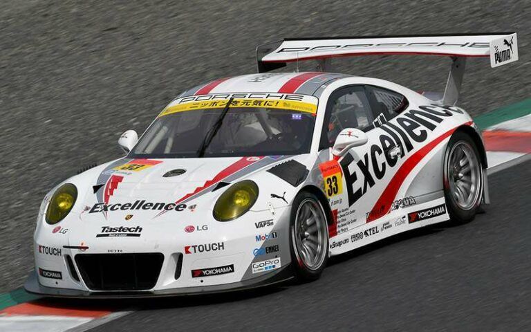 Excellence Porsche #33 (sumber: supergt.net)