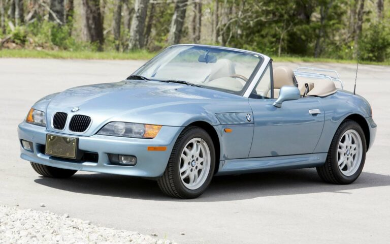 BMW Z3 Bond Edition (sumber: carpixel.net)