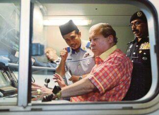 Sultan Johor Menjadi Masinis