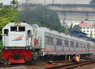"""KLB Ujicoba K3 """"Premium"""" Rangkaian ketiga berangkat Stasiun Lempuyangan (Facebook/Ragil Setiawan)"""