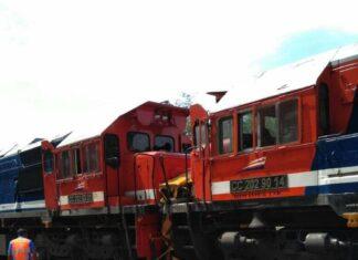 lokomotif KA angkutan batu bara