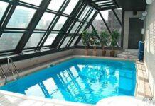 kolam renang 'legendaris'