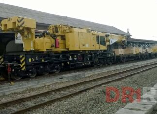 Crane Kirow Multitasker 1210 N yang baru tiba di Medan | Sumber: Divre 1 Railfans