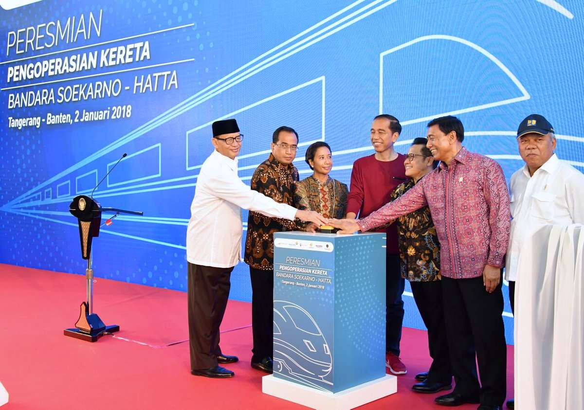 Presiden Joko Widodo Resmikan Operasional KA Bandara