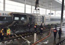 Kereta Cepat Tiongkok Terbakar