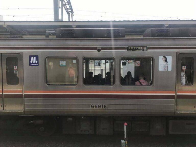 Kereta Osaka Metro dengan logo barunya di hari perdananya| Foto: Raka Galih (Kucing Putih)