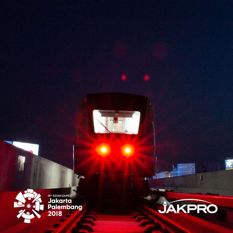 pertama LRT Jakarta mulai jalani uji dinamis