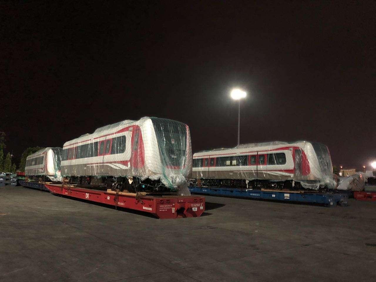 Rangkaian Kereta LRT Jakarta Tiba Seluruhnya