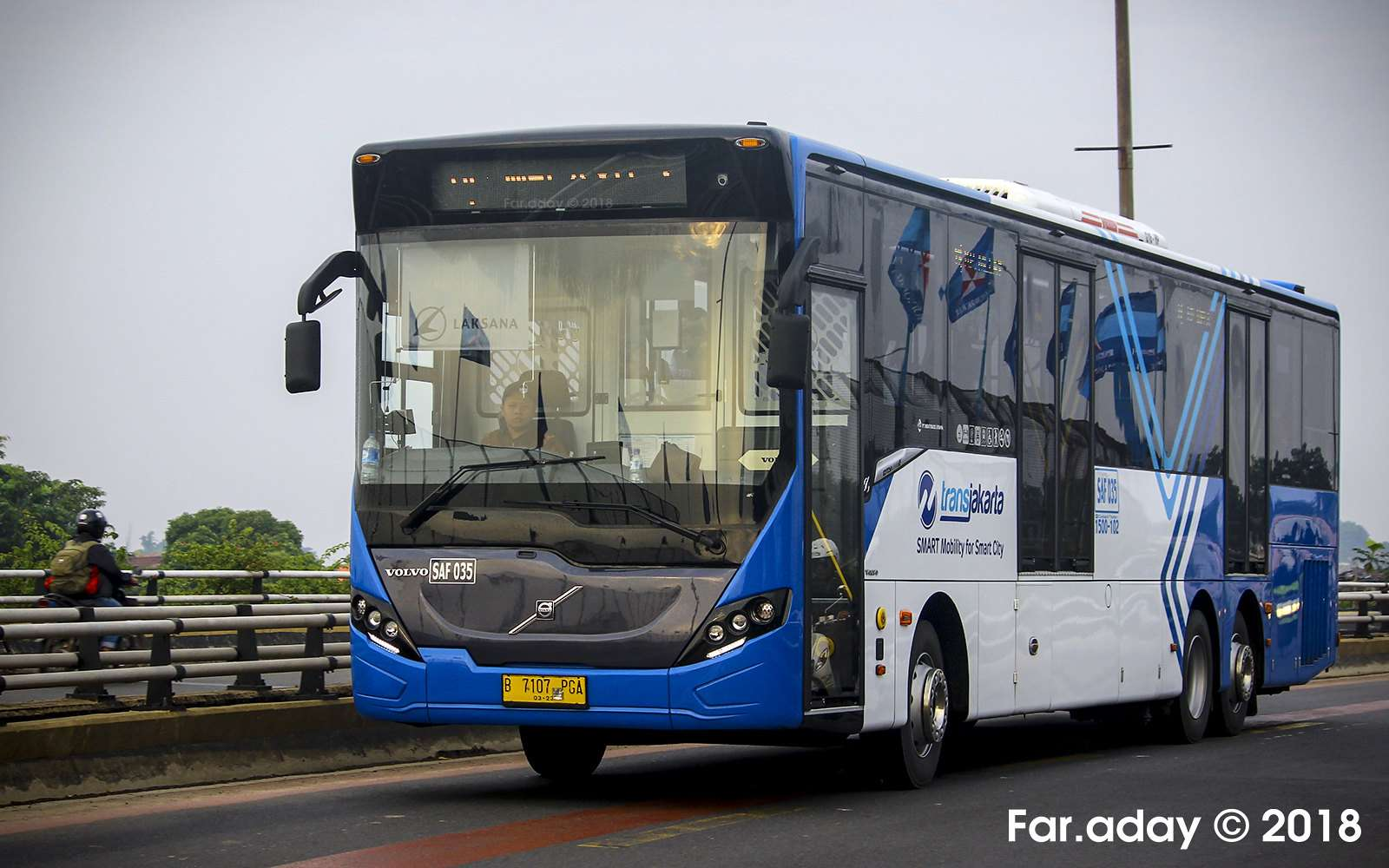 Bus Transjakarta (KAORI Nusantara/Farouq Adhari)